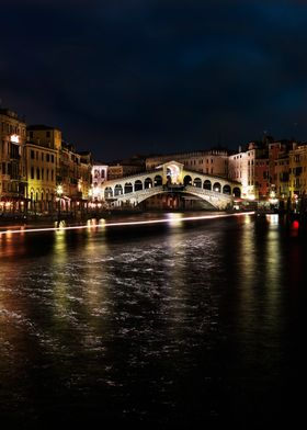 Rialto, Venice. Night shot. Photography: matteo mescalc ...