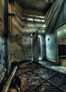 Larundel Mental Asylum - abandoned since the 1990s. Mel ...