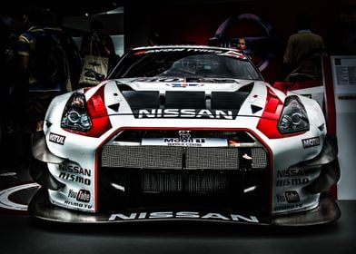 Head on view of a Nissan GTR
