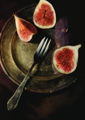 Still life with brass plate and fresh figs