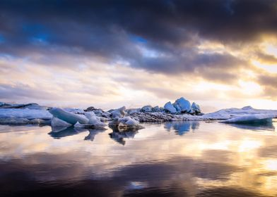 icebergs seen at dusk in iceland