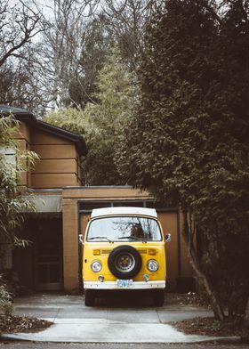 Vintage / Cars / Van / Yel