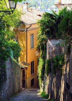 Narrow street on Bellagio, Italy