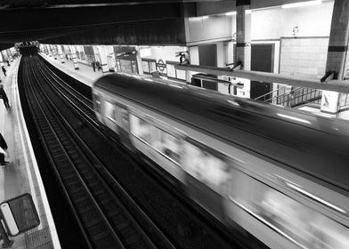 Tube left the station in London