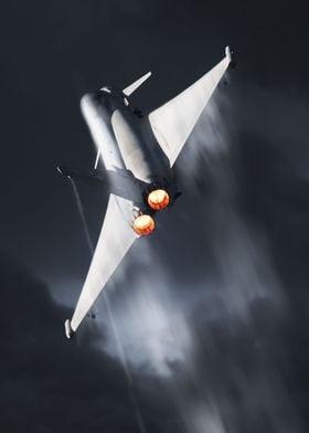 RAF Typhoon Display creating Vapour