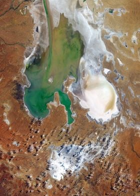 Lake Eyre with water