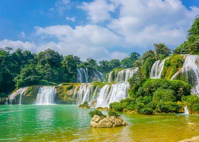 Waterfall Boat Natural