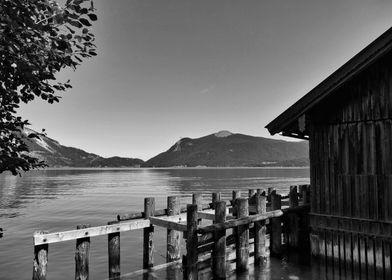 Lake Walchensee w hut BW