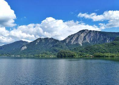 Lake Kochelsee mountains