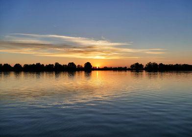 Lake Guggi in sunset 2