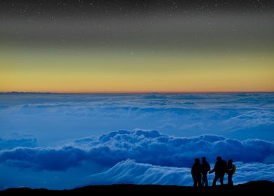 Climbers above the cloud