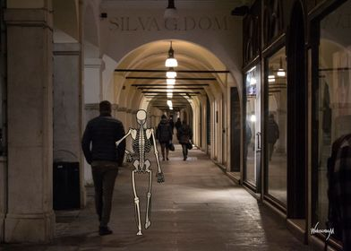 Busy Skeletons Couple